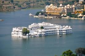 lakepalace2 (1)